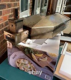 Uuni / Ooni 3 Wood-Fired Outdoor Pizza Oven