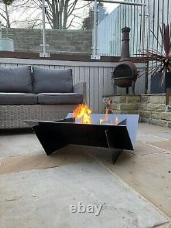Le Jardin Extérieur De Brooklyn Fire Pit Avec Mesh Grill
